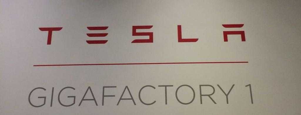 ŠOK! Čeští IT podnikavci se dostali do přísně střežené Gigafactory