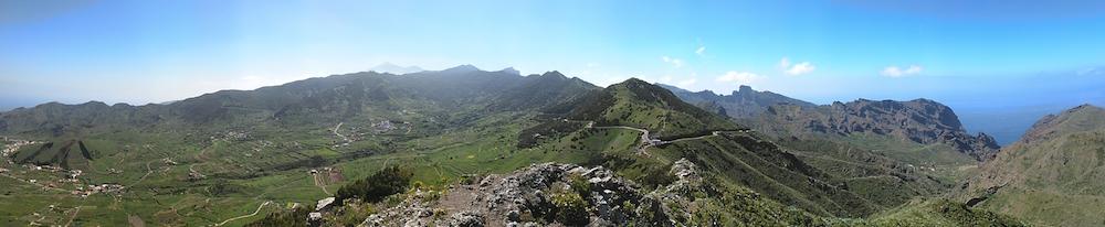 Panorama z nejvyší hory, kam jsme se dostali